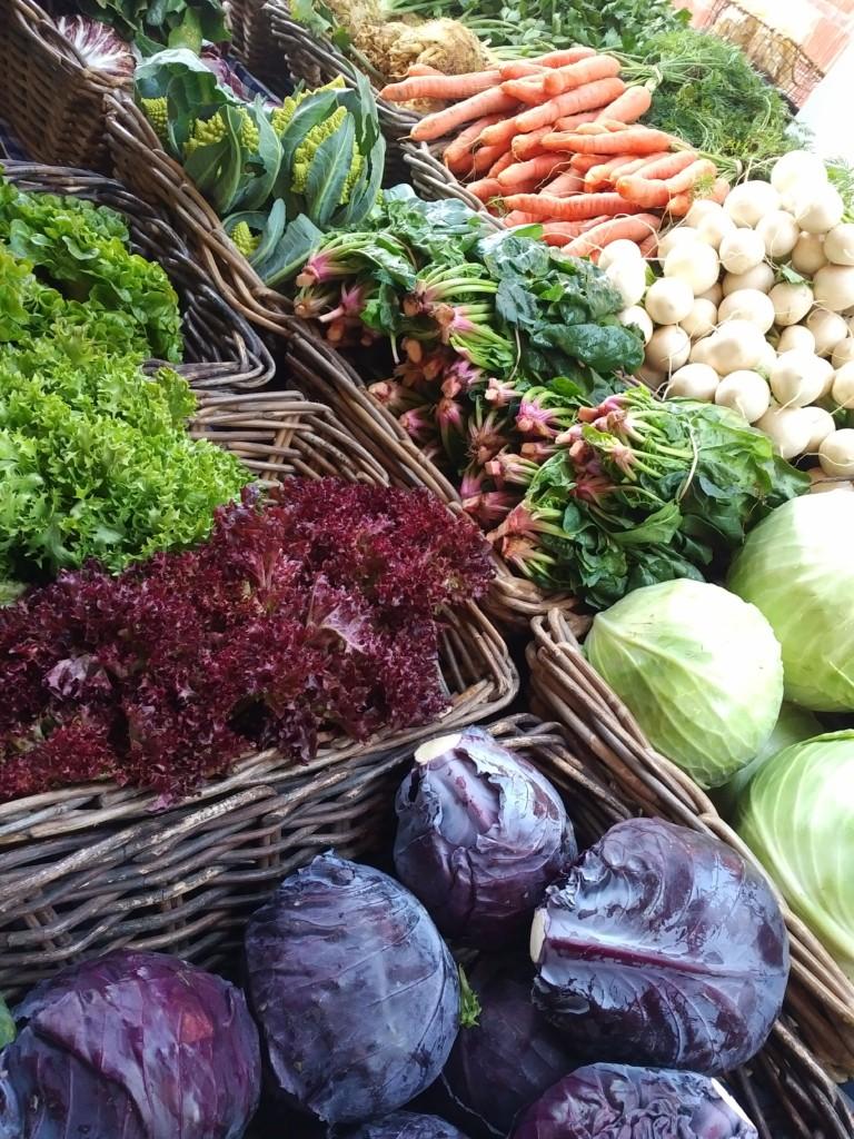 Farmers-market-the-barns